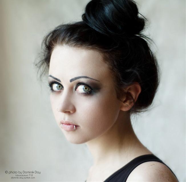 Adelia #girl #brunette #pretty #goth #gothic #eyes #beauty #beautiful #cute #portrait #emotions #emotional
