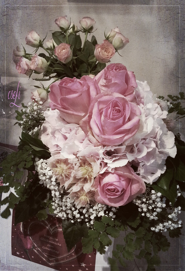 I want to share my birthday flowers with You my dear friends. You all are wonderful ♥♥♥ thank You! We will see us later - I now go on a little trip. #friendship #birthday #flower #photography #emotions #@csefi