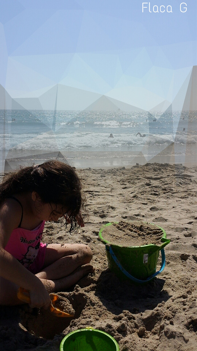 Keep out real world   #baby #beach #cute #emotions #love #nature #people #photography #summer #travel #sand #bucket #shovel #ocean #water #SantaMonicaPier #polygon #polygoneffect