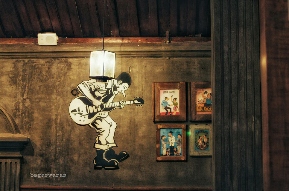 Pictures On The Wall  #street  #photography #interesting