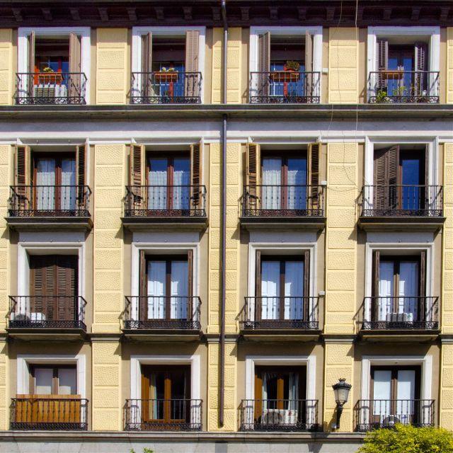 symmetrical architecture